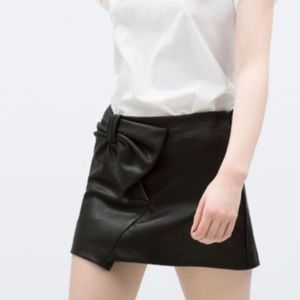 Zara Pleather Bow Skirt - NWT - Small